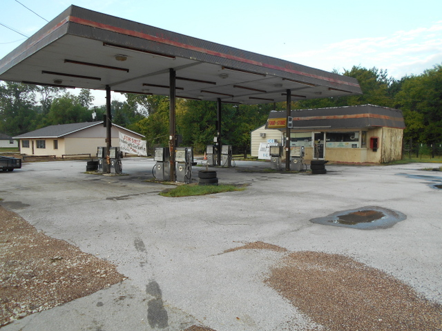 Crockett Gas Station 1